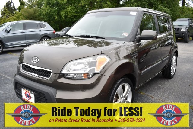 Pre-Owned 2010 Kia Soul Exclaim